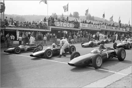 Canvas-taulu  Graham Hill, Bruce McLaren and Trevor Taylor on the starting grid, 1962