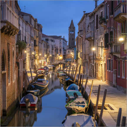 Juliste Evening mood in the streets of Venice