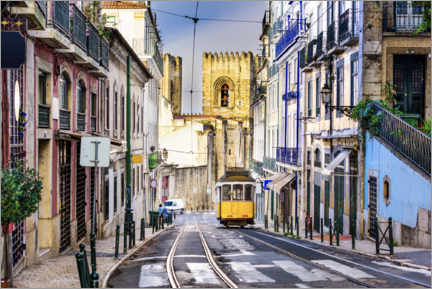 Puutaulu  Tram in front of the Catedral Sé Patriarcal, Lisbon