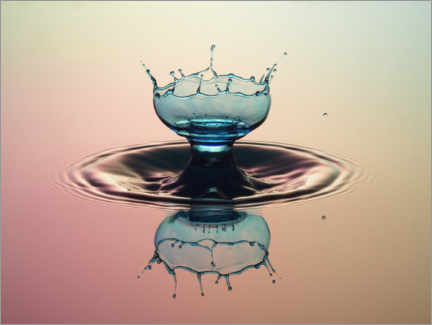 Galleriataulu  Water drop chalice - Stephan Geist