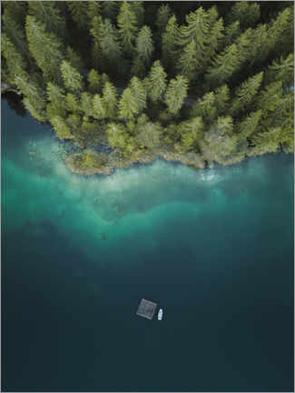 Akryylilasitaulu  Forest by the lake from above - Lukas Saalfrank