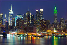 Sisustustarra  New York City at night over Hudson river