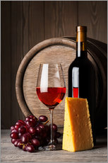 Sisustustarra  Red wine with cheese and grapes