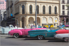 Canvas-taulu  Oldtimer in front of the Parque Central