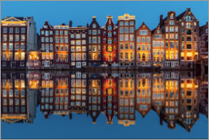 Canvas-taulu  Amsterdam row of houses reflected in the water - George Pachantouris
