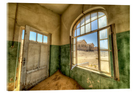 Akryylilasitaulu  Sand in the premises of an abandoned house - Robert Postma