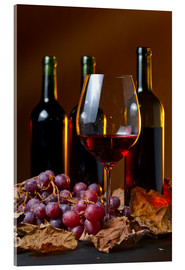 Akryylilasitaulu  red wine with grapes and vine leaves