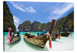 Canvas-taulu  Long tail boat at Maya Bay on the island of PhiPhi