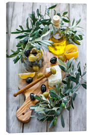 Canvas-taulu  Green and black olives with bottle of olive oil