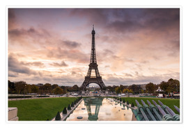 Juliste EIffel tower at sunset from the Trocadero, Paris, France