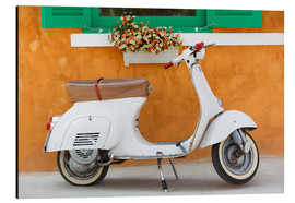 Alumiinitaulu  White scooter in front of a window