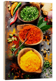 Puutaulu  Spices and herbs over wood