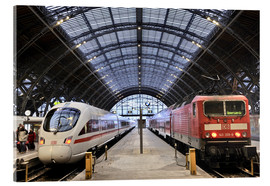 Akryylilasitaulu  ICE and InterRegio trains in the central station