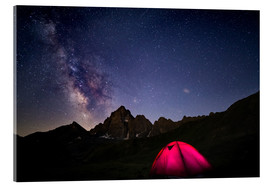 Akryylilasitaulu  Glowing camping tent under starry sky on the Alps - Fabio Lamanna