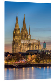 Akryylilasitaulu  The Cologne Cathedral in the evening - Michael Valjak
