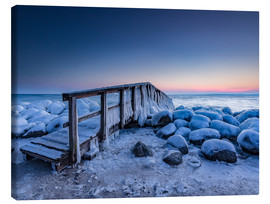 Canvas-taulu  Jetty on the icy Baltic Sea near Travemünde - Heiko Mundel