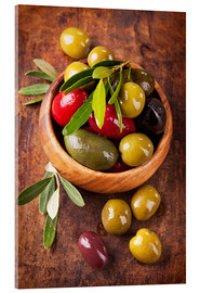 Akryylilasitaulu  Bowl with olives on a wooden table - Elena Schweitzer